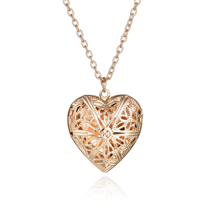 necklace mum shaped pendant yellow gold cz heart